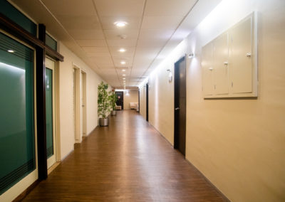 Pasillos a consultorios Hospital La Bene