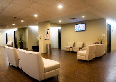 Sala de espera primer piso Hospital La Bene
