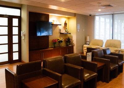 Sala de espera terapia intensiva Hospital La bene